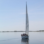 7-sailing_for_a_picnic_on_an_archipelago_island